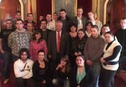 El Alcalde de Badajoz recibe a los alumnos del programa Comenius