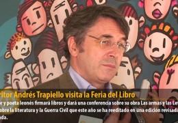 El escritor Andrés Trapiello visita la Feria del Libro