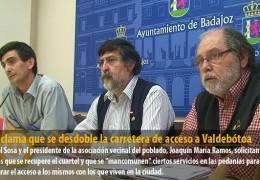 IU reclama que se desdoble la carretera de acceso a Valdebótoa