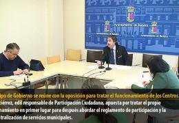 El equipo de Gobierno se reúne con la oposición para tratar el funcionamiento de los Centros Cívicos