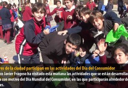 Escolares de la ciudad participan en las actividades del Día del Consumidor