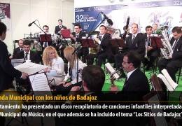 La Banda Municipal con los niños de Badajoz