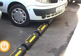 El Ayuntamiento comienza a instalar topes de estacionamiento