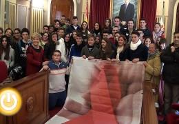 Alumnos del IES San Roque leen un manifiesto con motivo del  Día Internacional de la lucha contra el SIDA