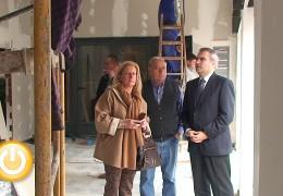El alcalde visitas las obras del Centro de Mayores San Fernando