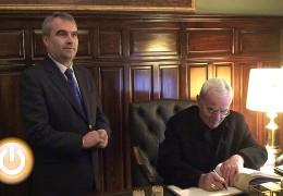 El alcalde recibe al Nuncio Apostólico en España