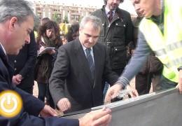 El alcalde pone la primera piedra de la Comisaría de la Policía Local