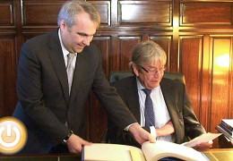 El embajador alemán se compromete a estrechar lazos con la ciudad en el ámbito cultural y turístico