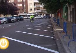 Comienzan los trabajos para reordenar las plazas de aparcamiento en la ciudad