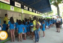 400 niños participan en la gincana de clausura de Vive el Verano en Castelar