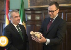 El embajador de Estados Unidos en España visita Badajoz