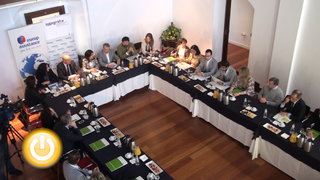 El alcalde asiste al desayuno Empresarial Escuela DKV Integralia