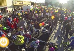 Multitudinaria ciclocabalgata solidaria