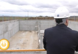 El alcalde visita la obras de la depuradora de Alvarado