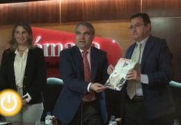 """El alcalde de Badajoz presenta la guía """"Invertir en Badajoz"""""""