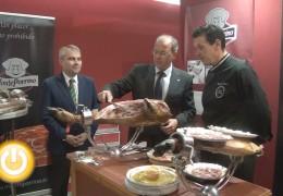 Abre sus puertas la I Feria del Ibérico en Extremadura