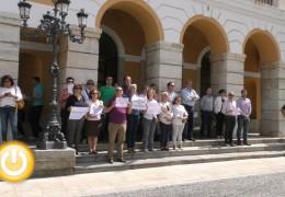Minuto de silencio por una nueva víctima de violencia en Dénia