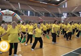 Las actividades físicas para mayores se clausuran con una  coreografía multitudinaria