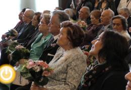 El Área del Mayor homenajea a 19 matrimonios que cumplen sus bodas de oro