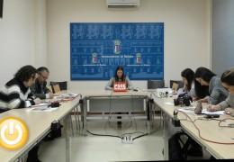 El Grupo Socialista denuncia el escaso mantenimiento de espacios públicos en Valdebótoa
