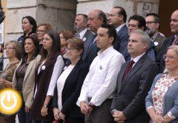 Badajoz recuerda a la mujer asesinada en Fuentes de Oroño