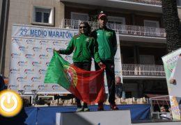 Jesús Nuñez y Emilia Kumos ganadores de la XXIX Medio Maratón Elvas-Badajoz