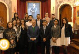 El alcalde recibe a los alumnos de ITAE-eMBA Internacional Hispanoluso
