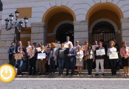 Minuto de silencio por el asesinato de dos vecinos de Alcobendas, Raquel y su hijo de 12 años