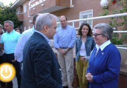 Fragoso visita el centro Nuestra Señora de la Luz con motivo de su 50 aniversario
