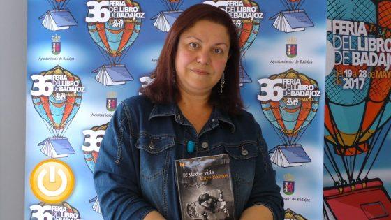 Care Santos presenta en Badajoz 'Media vida', premio Nadal