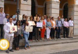 Nuevo minuto de silencio en Badajoz por el asesinato sucedido en Rubí
