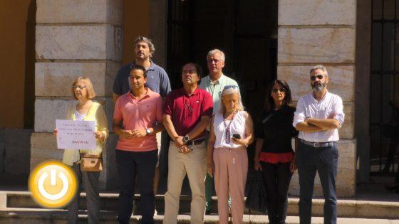 Minuto de silencio en Badajoz por violencia machista