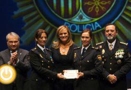 Entrega de condecoraciones en Badajoz por el Día de la Policía