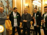 El alcalde reconoce los éxitos de dos jóvenes boxeadores pacenses