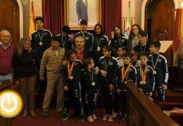 El alcalde recibe a deportistas del Tae Guk Kim
