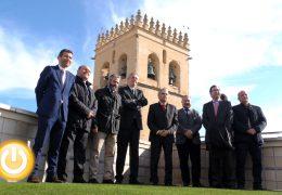 El alcalde visita las nuevas instalaciones de Aqualia