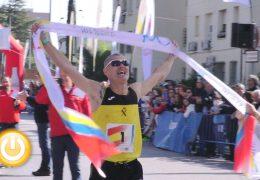 Modesto Ricardo Álvarez y María Mercedes Pila vencedores de la Maratón Ciudad de Badajoz