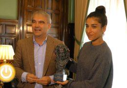 Carolina Yuste visita el Ayuntamiento de Badajoz