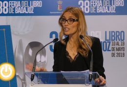 Palmira Márquez pregona la feria del libro de Badajoz