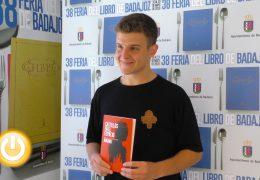 La feria del libro acoge las presentaciones de Arkano y Paul Pen