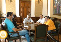 Ayuntamiento y asociaciones reclaman una decisión sobre el traslado de los Pinos