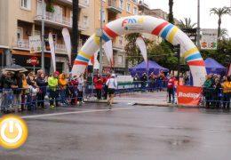 Houssame Benabbou y Tania Carretero ganadores de la media maratón Elvas-Badajoz