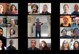 El coro de la Asociación Amigos de la Banda Municipal canta 'Zúmbale al pandero'