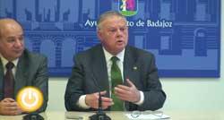 El alcalde comenta los errores de facturación de Aqualia