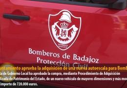 El Ayuntamiento aprueba la adquisición de una nueva autoescala para Bomberos