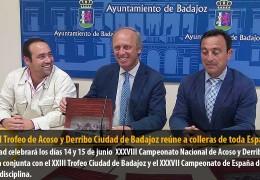 El XXIII Trofeo de Acoso y Derribo Ciudad de Badajoz reúne a colleras de toda España