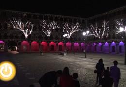 La iluminación de la Plaza Alta se inaugura al ritmo de Porrina de Badajoz