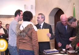 El alcalde entrega las llaves de 32 viviendas VPO en Gévora