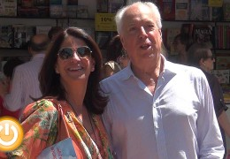 Eduardo Mendicutti y Boris Izaguirre asisten a la Feria del Libro
