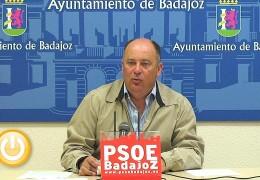 El PSOE critica la privatización de servicios municipales